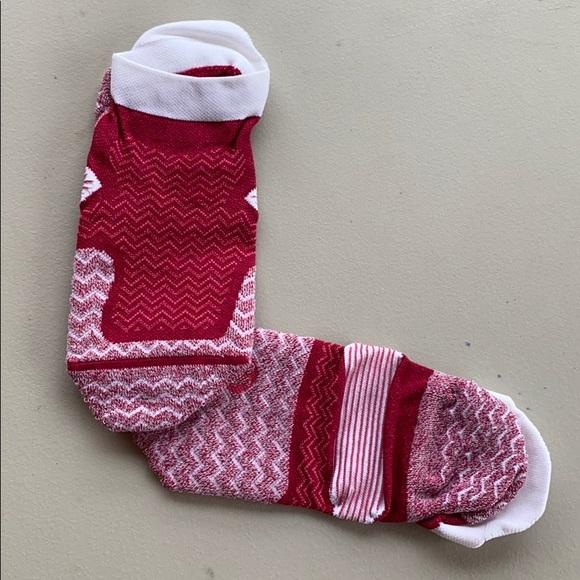 New lululemon socks